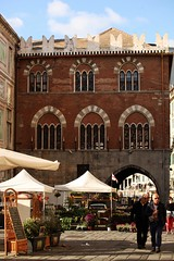 (elisabettacesco=casa) Tags: window liguria genova zena finestre trifore quadrifore cescoelisabetta