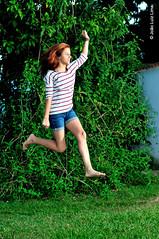 Sofia Campos, 18 anos (jluizmail) Tags: birthday party jump jumping nikon legs pernas alegria festa aniversrio speedlight height altura ruiva intheair cls 18anos saltar strobist nikoncls sb900 flashoffcamera sb700 jluiz jluizmail jooluizlima flashforadacmera sofiacampos fotgrafoprofissionaljooluizlima jooluizfotografia jluizfotografia jluizmailfotografia