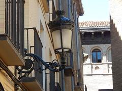 36. (Seweet) Tags: arquitectura edificios farola streetlight zaragoza aragn
