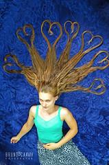 Hairt (Bruno_Caimi) Tags: blue portrait azul hair nikon heart retrato coraes corao giana loira cabelos d5100 brunocaimi