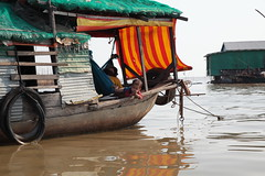 Floating Village (Gusulabu) Tags: life city travel people lake cambodia float angkor tonlesap camboya