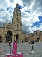 172 (Jusotil_1943) Tags: catedral nubes oviedo elecciones nwn tripode gotico upd altavoz flamigero