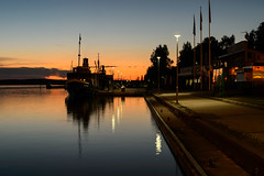 Hurma & Wenno (lumofisk) Tags: sunset water architecture finland boot boat streetlight europa europe finnland ship sonnenuntergang waterfront dusk architektur schiff reflektion puumala refektion 86mm transportmittel 0mmf0 southernsavonia nikondf