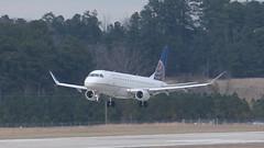 Landing on 23R (blazer8696) Tags: sky usa west nc unitedstates united northcarolina express morrisville rdu 134 embraer skywest 2016 ecw 2015 krdu briercreek erj170200lr t2016 134sy n134sy