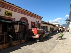 "San Cristóbal de las Casas: mais où est Mister J? <a style=""margin-left:10px; font-size:0.8em;"" href=""http://www.flickr.com/photos/127723101@N04/25012096074/"" target=""_blank"">@flickr</a>"
