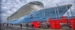 Ovation of the Seas (Maxum1201) Tags: cruise dock ship cruiseship royalcaribbean hafen ems oceanliner emsland riese kreuzfahrt papenburg meyerwerft ovationoftheseas