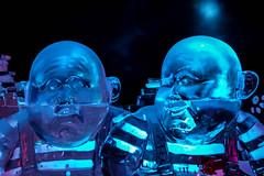 tweedles alice (Moukette) Tags: sculpture statue glace jumeaux tweedle disny aliceaupaysdesmerveilles