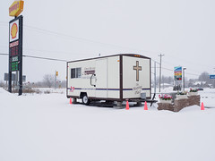 open road chapels - the meeting place ((robcee)) Tags: winter snow signs ontario canada church weather yellow closed cross diesel cone shell gas pylon trailer dundas dennys unleaded geolocation 2016 geocity geocountry camera:make=olympusimagingcorp geostate exif:make=olympusimagingcorp exif:aperture=ƒ63 camera:model=em1 exif:model=em1 exif:lens=olympusm1240mmf28 exif:isospeed=200 exif:focallength=17mm geo:lon=74497311111112 geo:lat=45138261111112