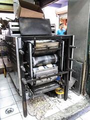 """Merida: le marché municipal Lucas de Gálvez et sa fabrication de tortillas <a style=""""margin-left:10px; font-size:0.8em;"""" href=""""http://www.flickr.com/photos/127723101@N04/25314717294/"""" target=""""_blank"""">@flickr</a>"""