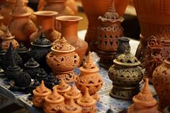 20160307-DSC01941.jpg (flia gitterle) Tags: ceramics ceci beatriz photogroup photowalks kohkret tiamaru typicalthailand