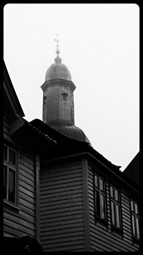 Domkyrkjetårnet i tåke