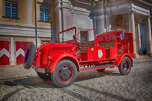 Löschfahrzeug (LF+MTW) Oldtimer
