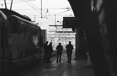 Head of the Train (Milano Centrale Railway Station) (Federico Pitto) Tags: bw d76 nikonfe2 nikkor135mm28 rolleirpx400
