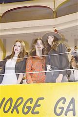 3444. Claudia y Agueda Tamez con Camila Manzur.