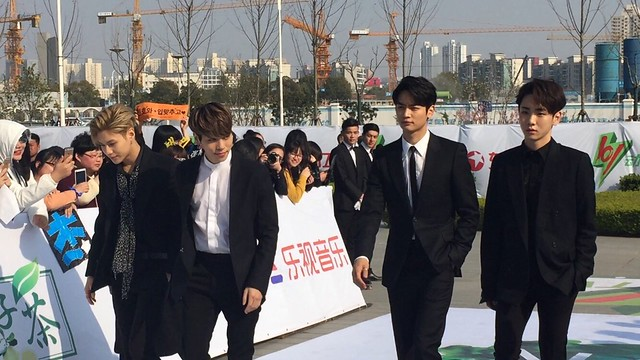 160328 ‎SHINee @ '23rd East Billboard Music Awards' 26099990076_9a178cea45_z