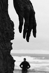 take my hand (patoche 38) Tags: hand monumento main poetic mano gijon abstrait laloca
