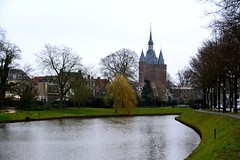 Zwolle 2016  View of the moat and the Sassen Gate (Michiel2005) Tags: netherlands gate nederland zwolle overijssel overijsel poort citygate stadspoort sassenpoort