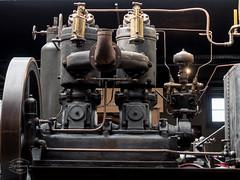 Vintage Farm Technology (spline_splinson) Tags: tractor de deutschland rust traktor transportation motor antiquetractor oldtechnology oldtractor badenwrttemberg vintagefarmequipment uhldingenmhlhofen