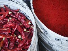Street-Schmittfoto-Art-4180392 (insider-fototour) Tags: red hot herbs spices chilli markt farbe marokko fes gewrz
