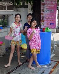 cute girls in the songkran spirit (the foreign photographer - ) Tags: road new girls cute water thailand bangkok sony year barrel mai thai bowls preteen songkran 2016 sapan bangkhen rx100 phahoyolthin