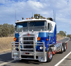 Townsing (quarterdeck888) Tags: nikon flickr transport frosty semi lorry trucks express olddays logistics winton kenworth bigrig overtheroad haulage quarterdeck vintagetrucks oldtrucks cabover class8 heavyvehicle ansett cartage roadtransport heavyhaulage truckies d7100 highwaytrucks aussietrucks australiantrucks expressfreight australiantransport freightmanagement jerilderietruckphotos jerilderietrucks outbacktrucks crawlingthehume townsing quarterdeckphotos humetrucks