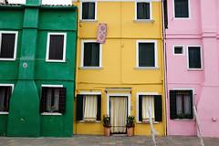 Burano : Vert, jaune et Rose (http://visiteursdumonde.com) Tags: venice venise venezia burano