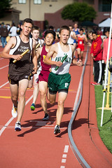 Reed kicking off the DMR with a 1200m leg (Malcolm Slaney) Tags: track paloalto dmr trackandfield 2016 paly distancemedleyrelay stfrancisinvitational