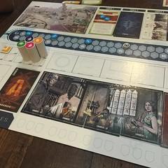 T.I.M.E. Stories: Marcy Case - มิชชั่นที่สองของ T.I.M.E. Stories เกมช่วยกันย้อนเวลาไปผจญภัยแก้ปริศนาที่ให้อารมณ์เหมือนเล่นเกมผจญภัยในคอม เล่นมิชชั่นนี้รอบแรกตื่นเต้นดี แต่ต้องปรับทัศนคติพอสมควรเพราะตอนแรกนึกว่าจะเป็นแนวสืบสวนสอบสวนเหมือนนิยายนักสืบ เอาเข้
