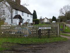 Upside down (paidetres) Tags: sign upsidedown walk surrey arrow pointing warlingham fcrc