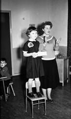 Zingen (Arne Kuilman) Tags: feest blackandwhite sinterklaas children found zwartepiet class lostandfound agfa 1961 vroeger photonotmine agfalisopanff