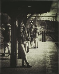 Smoking woman (Michael Erhardsson) Tags: woman station smoking svartvitt lindesberg