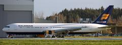 Boeing 767-319 EI-UNC (707-348C) Tags: ice shannon passenger boeing airliner jetliner icelandair boeing767 snn b763 einn eiunc