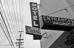 (O Caritas) Tags: sanfrancisco california bw signs mobile neon january cellphone motel wires neonsign utilitypole vacancy telephonewires cowhollow 2016 greenwichstreet motelcapri snapseed samsunggalaxysiii copyright2016bypatricktpowerallrightsreserved 2016012814394501 28january2016