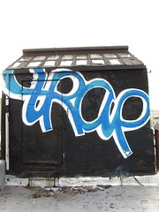 Trap (soulroach) Tags: nyc ny graffiti queens if trap