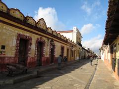 "San Cristóbal de las Casas: la rue Real de Gadalupe <a style=""margin-left:10px; font-size:0.8em;"" href=""http://www.flickr.com/photos/127723101@N04/25410520620/"" target=""_blank"">@flickr</a>"