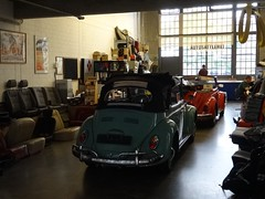 Dsseldorf: Car Saddlery (harry_nl) Tags: car germany deutschland dsseldorf 2015 saddlery autosattlerei classicremise