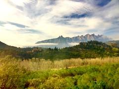 """Montaña y bruma"" (atempviatja) Tags: rural paisaje montserrat montaña bruma"