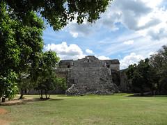 "Chichen Itza: un autre temple <a style=""margin-left:10px; font-size:0.8em;"" href=""http://www.flickr.com/photos/127723101@N04/25934238326/"" target=""_blank"">@flickr</a>"