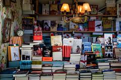 Rincón lector (Paco Herrero) Tags: valencia books libros feriadellibro spreader