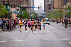 2016 Grand Blue Mile (Phil Roeder) Tags: athletics running iowa runners athletes runner roadrace desmoines trackandfield drakerelays canonef70200mmf4lusm canon6d grandbluemile