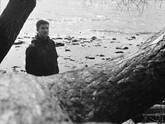 Todde (Juliet Alpha November) Tags: portrait bw 120 film beach water analog port 645 wasser jan harbour hamburg delta portrt 400 hamburger sw analogue hafen ilford elbe elbstrand thorsten rollfilm meifert eikmeier