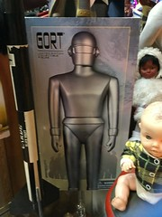 Limited Edition Collectible Figure of Gort from The Day The Earth Stood Still (splinky9000) Tags: world toys robot still day time market earth alien kingston figure collectible flea limited edition amok gort stood the pickers