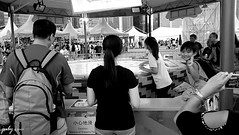DSC_1092psaJZ (七 月) Tags: hk hongkong snapshot 香港 kowloon 九龍 街景 人像 人文 外拍 街拍 攝影 抓拍 黑白照片 kln 外影 紀實 拍攝 荔園 外攝