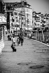 Some water reflection on the pavement (alessandrafinocchiaro67) Tags: street venice houses people white black monochrome pavement fx palaces nikond750