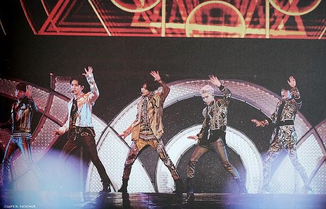 160421 SHINee @ Photobook SHINee World Concert IV 26431739820_740312d4e8_z