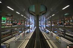 Im Hauptbahnhof (Pascal Volk) Tags: berlin architecture wideangle architektur wa ww 16mm mainstation centralstation superwideangle sww berlinhauptbahnhof berlinmitte uwa weitwinkel swa ultrawideangle uww ultraweitwinkel superweitwinkel canonef1635mmf4lisusm canoneos6d