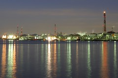 Chemical Plant at Sunset (elminium) Tags: sky japan evening harbor kanagawa kawasaki tokyobay chemicalplant flarestack dmcg1