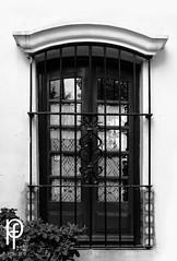Ventana (-Patt-) Tags: old blackandwhite bw blancoynegro window uruguay ventana bn montevideo antiguo veraneo chinazorrilla museozorrilla