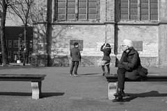 selfie.jpg (het mooie weer?) Tags: netherlands utrecht nederland streetphotography domplein straat utrechtcentre