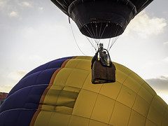 Up.  Faster! (keith_shuley) Tags: colors balloons horseshoebay hotairballoons